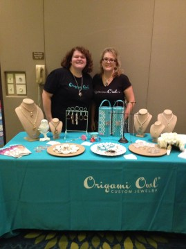 Origami Owl jewelry vendors Shelby Guilford and Janean Lindner