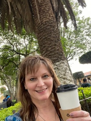 Me drinking cappucino at Parque Central