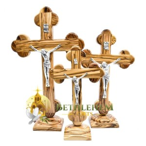 Olive wood Roman Budded Base crucifix