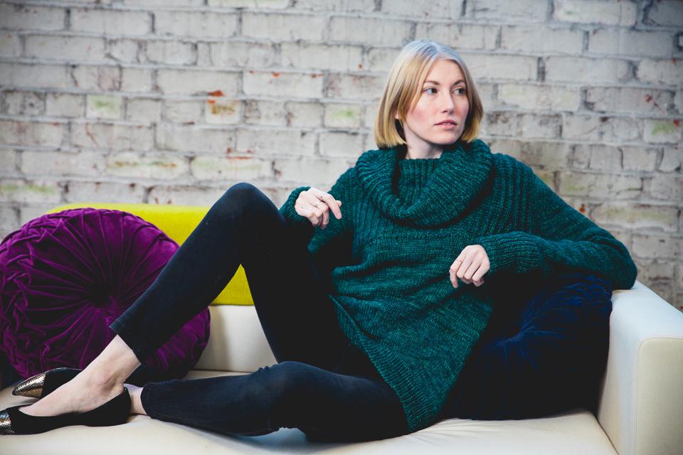 Caitlin-Knitting-Studio-Portraits-001-2