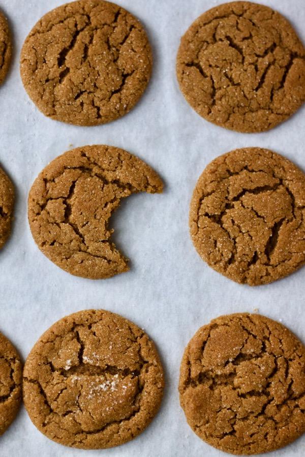 Gingersnaps (Christmas Cookie Week).