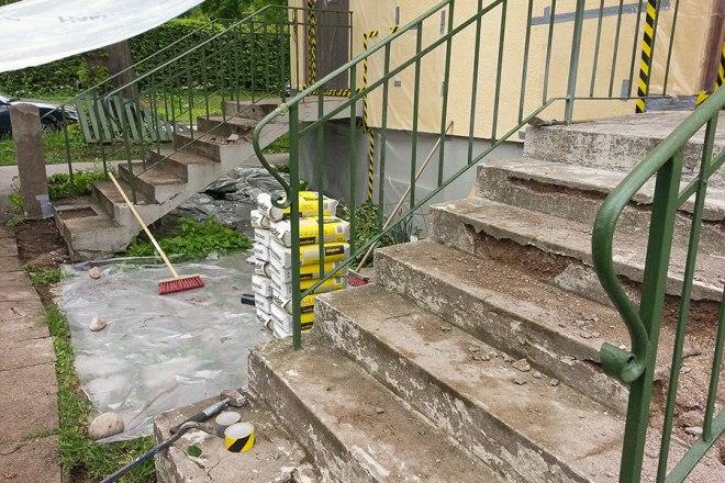 Gjutning och reparation av sliten betongtrappa