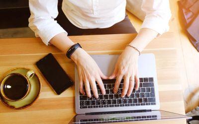 Travailler depuis la maison: comment rester en forme et motivé?