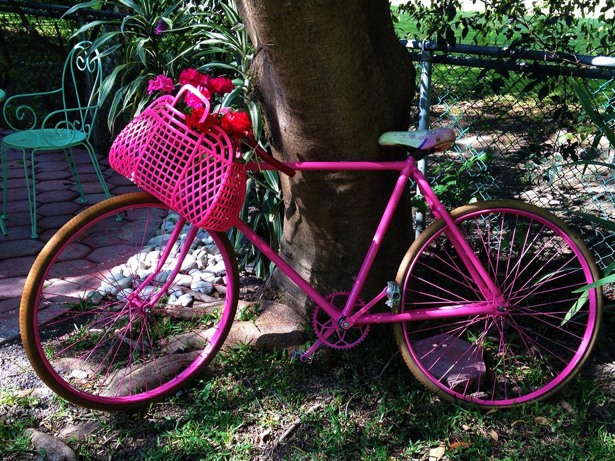 Puebla, Mexiko, rotes Fahrrad