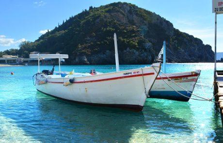 Boot fahren auf Korfu
