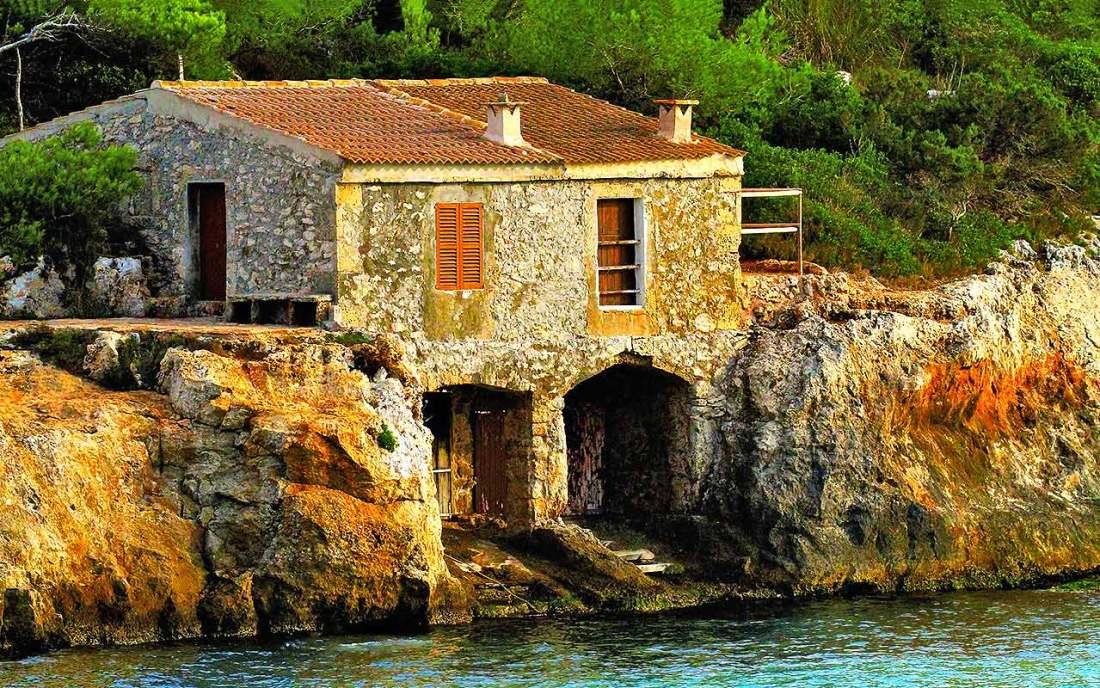 Ein traditionelles Bootshaus auf Mallorca