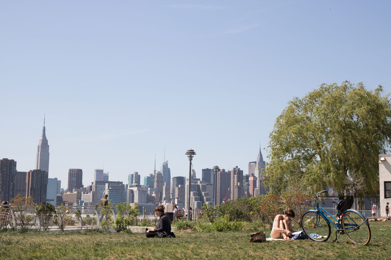 Der Greenpoint Transmitter Park in Brooklyn