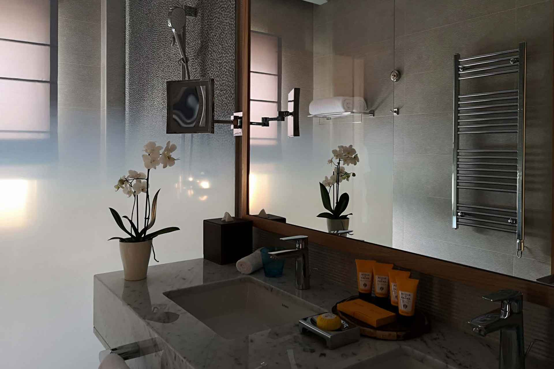 The Chedi Lustica Bay, Bath Room