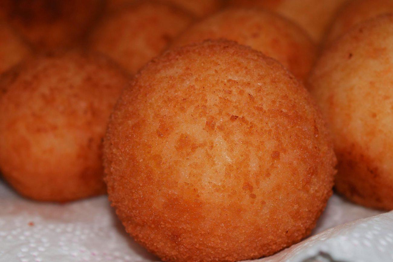 Sizilianische Reisbällchen