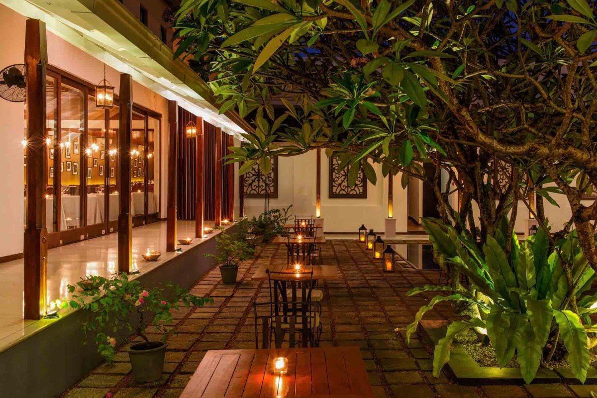 Uga Residence Restaurant (Außenanlage)