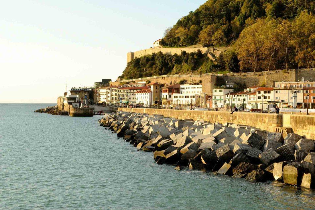 Der Hafen von San Sebastián