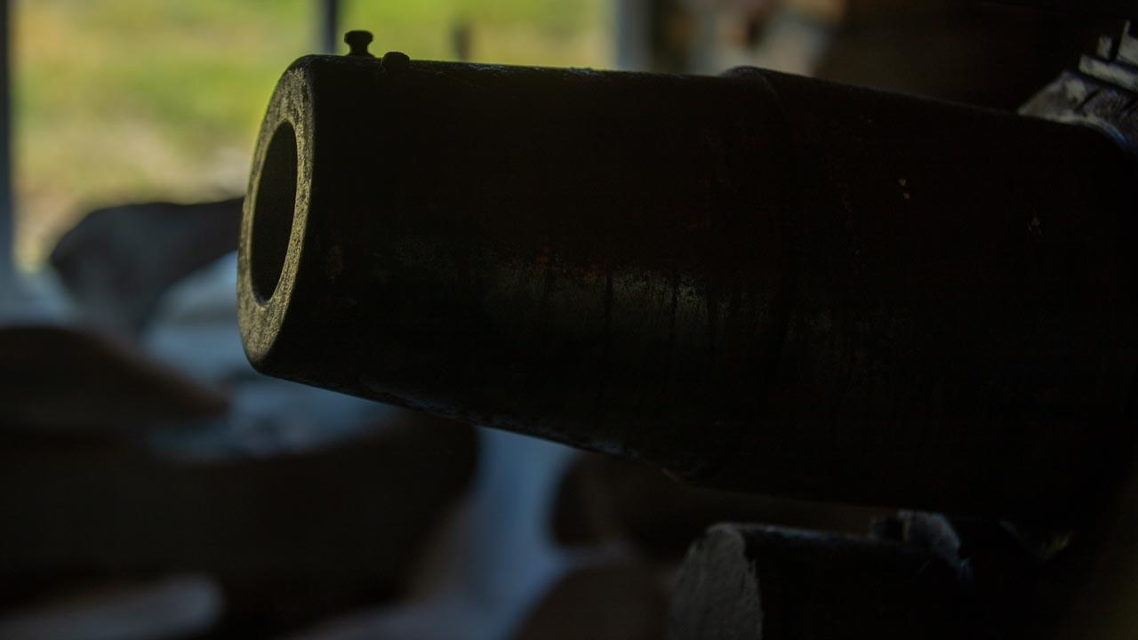 Falklandkrieg. Alte Kanone