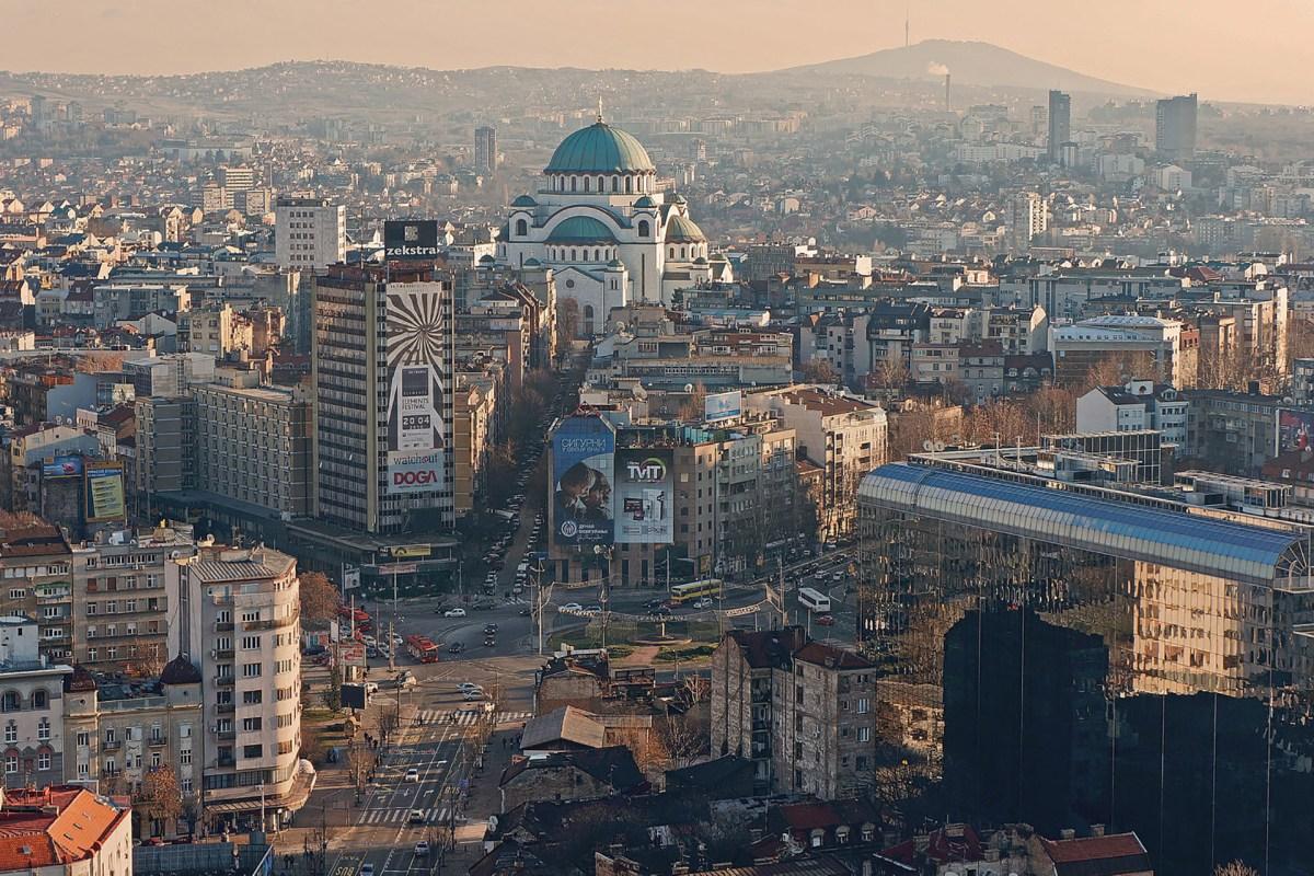 Dom des Heiligen Sava im Zentrum der Stadt