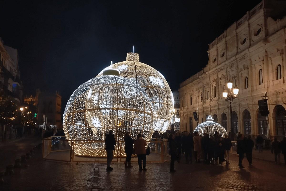 Rathausplatz während der Weihnachtszeit