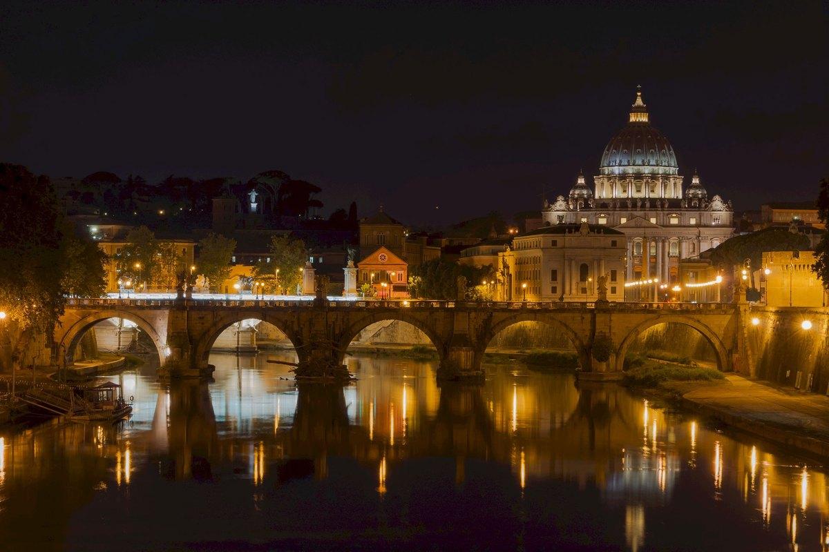 Petersdom und Tiber