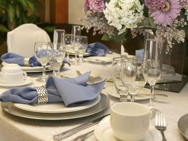 napkin -table manners