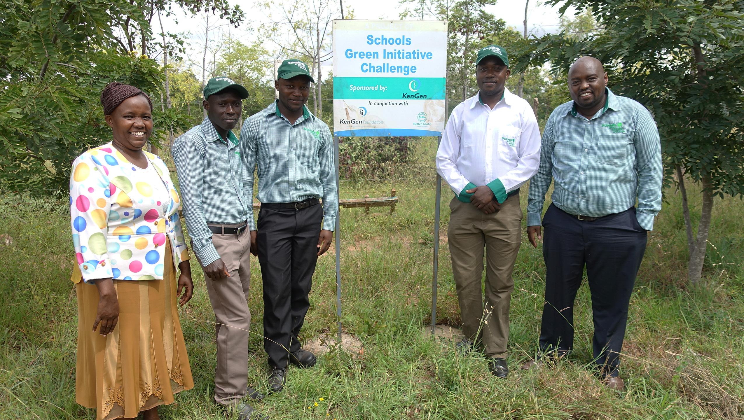Skoler engasjeres i treplanting