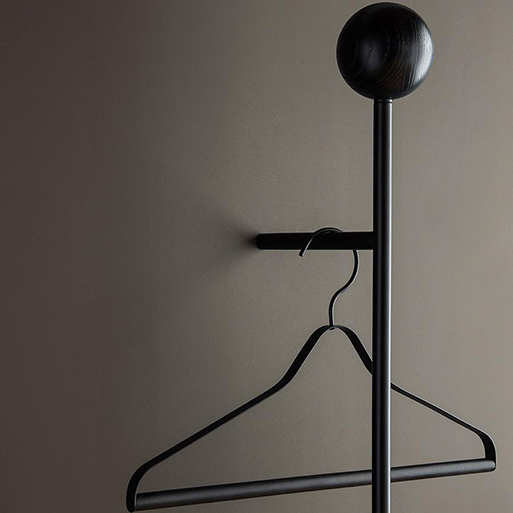 Pujo Coat Rack