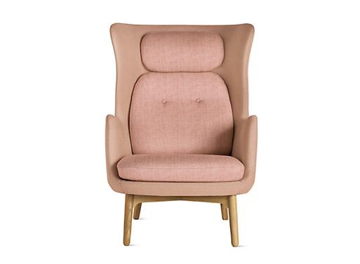 Ro Lounge Chair Light Pink