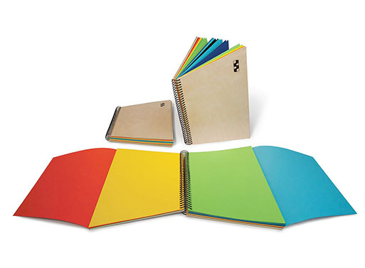 Trapecio Notebook, Color