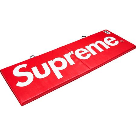 Supreme®/Everlast® Folding Exercise Mat ()