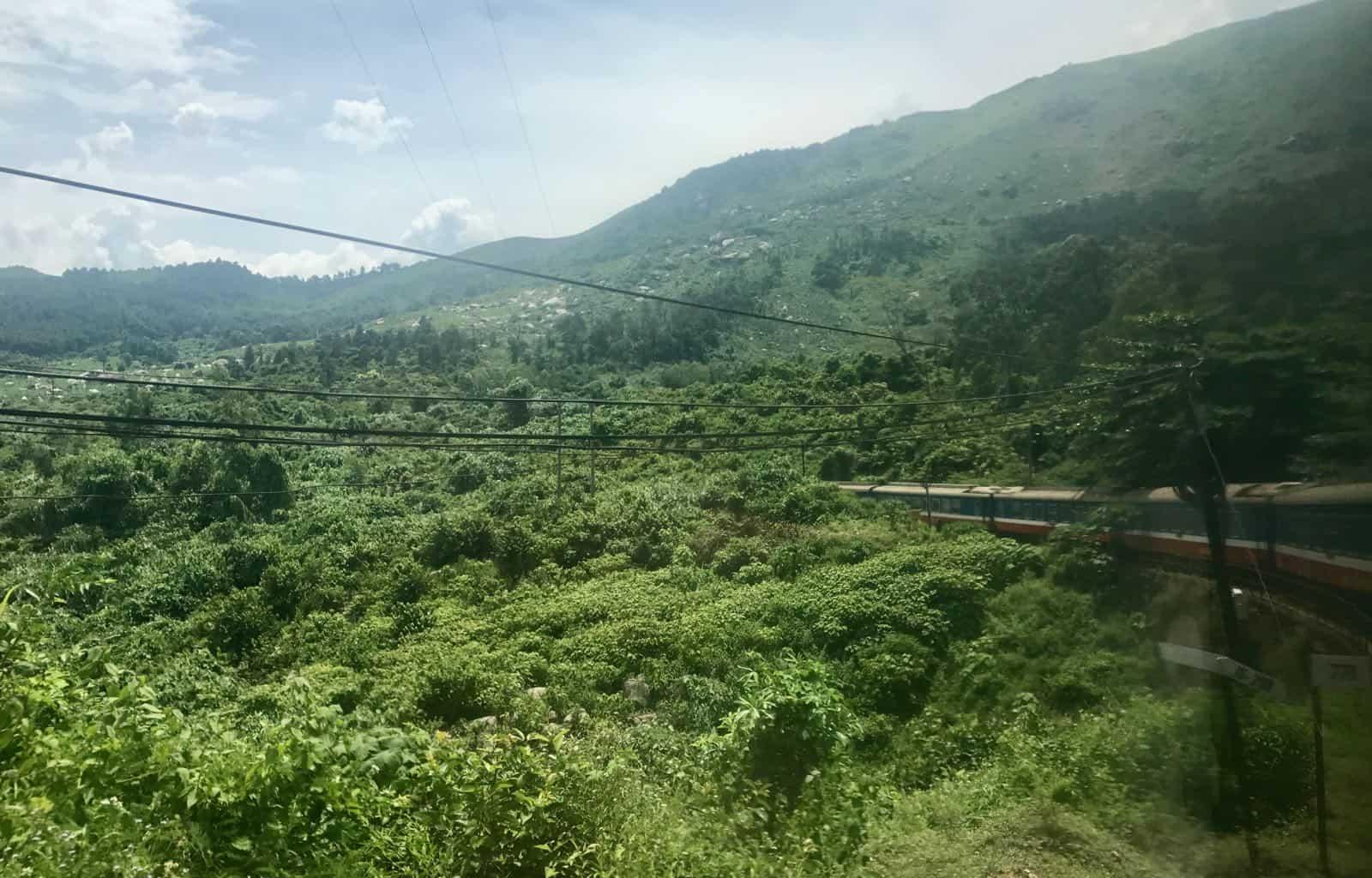 Train Hanoi to Hoi An betternotstop