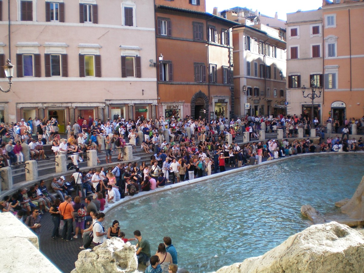 The crowd around the Trevi Fountain. It's even larger at night.