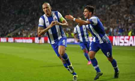 AS Roma v Porto - Champions League