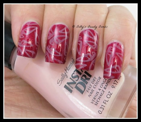 Butterfly-Stamping-Nail-Art