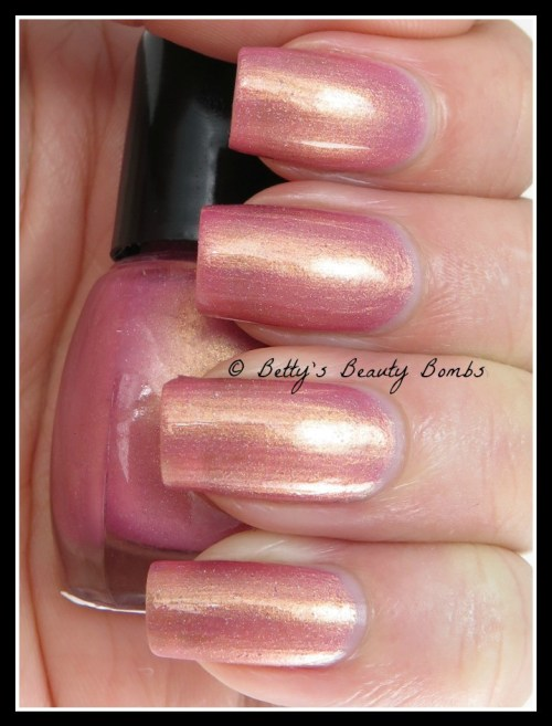 CDB-Lacquer-Sacred-Sun-Swatch