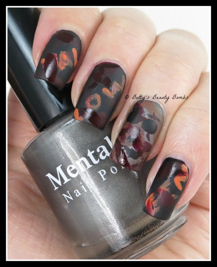 Michael-Myers-Nail-Art
