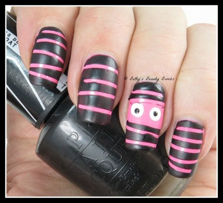 Mummy-Nail-Art