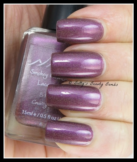 Smokey-Mountain-Lacquers-Ho-Ho-no-swatch