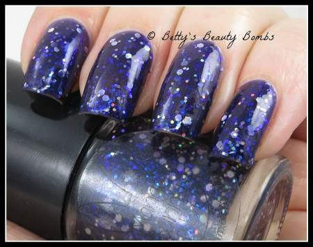 mango-bunny-polish-space-cadet-swatch