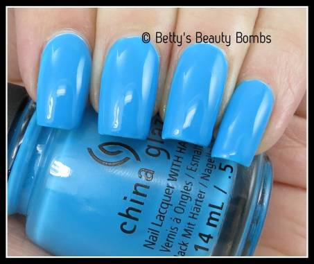china-glaze-dj-blue-my-mind-swatch