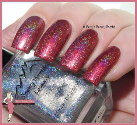 smokey-mountain-lacquer-holo-topcoat