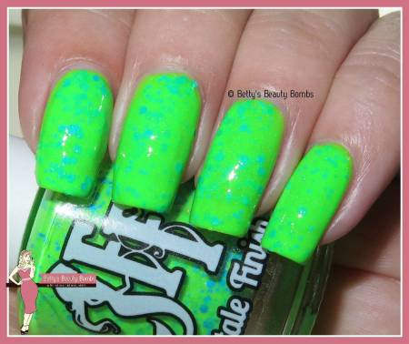 fairytale-finish-rave-green-swatch
