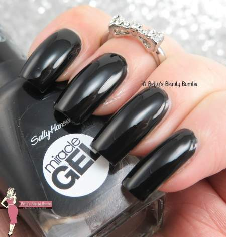 sally-hansen-blacky-o