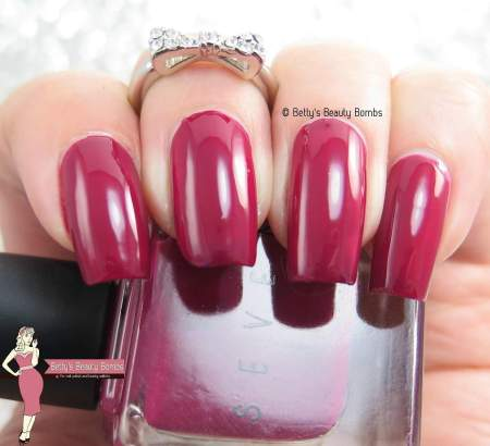 seven-cherry-on-top-swatch