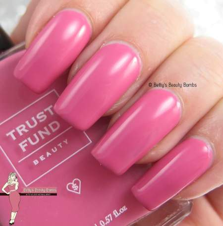 trust-find-beauty-i'm-kind-of-a-big-deal-swatch