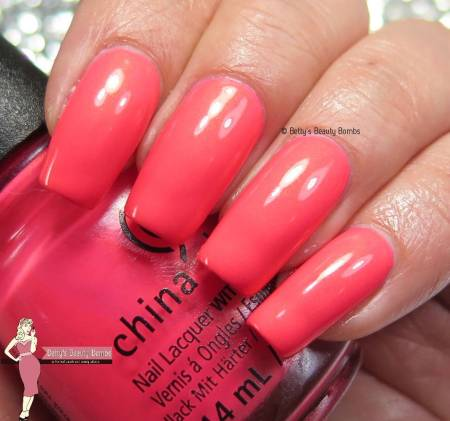 china-glaze-bite-me-swatch