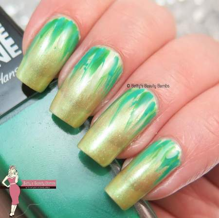 green-nail-art-ideas