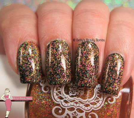 glitterdaze-starfishing-for-compliments-swatch