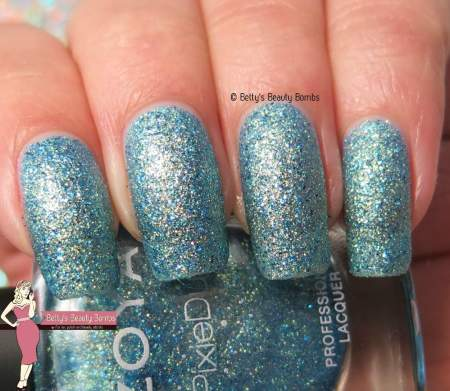 zoya-bay-swatch