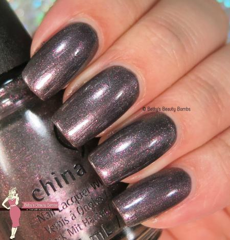 china-glaze-heroine-chic
