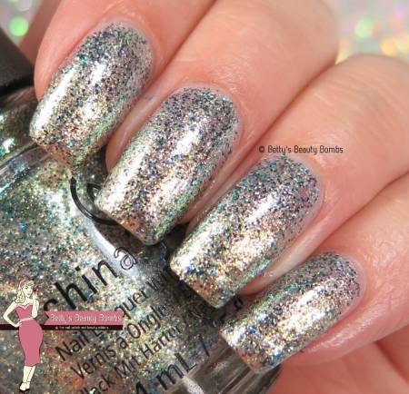 china-glaze-holo-at-ya-girl-swatch