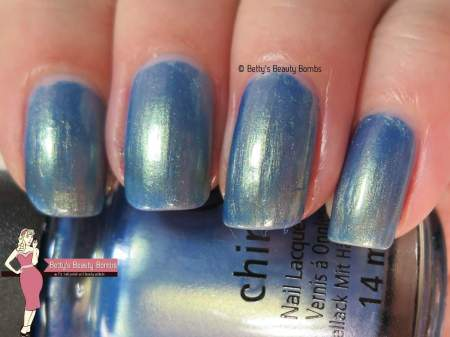 china-glaze-joy-to-the-waves-swatch