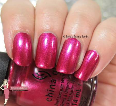 china-glaze-the-more-the-berrier