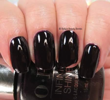 opi-lincoln-park-after-dark-swatch