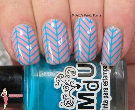 pink-and-blue-nail-art